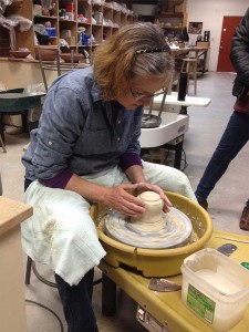 Deb-Harris-Throwing-Pottery-on-Wheel-at-Claymakers
