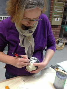 2-Deb-Harris-Pottery-Making-Process-at-Claymakers